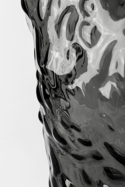 G19110173-2 Glass vase, black